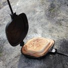 Sandwich iron with moose pattern